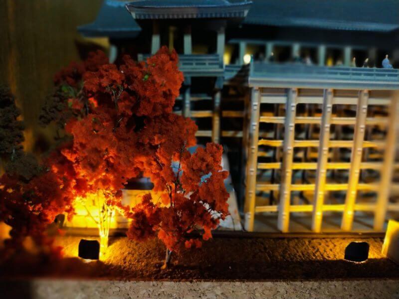 ライトアップされた清水寺